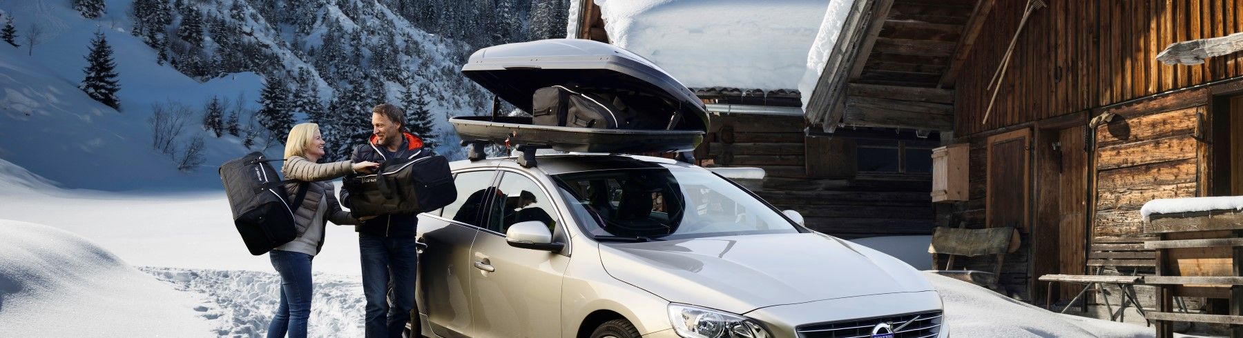 car-bags-roof-box-bags-unloading-winter