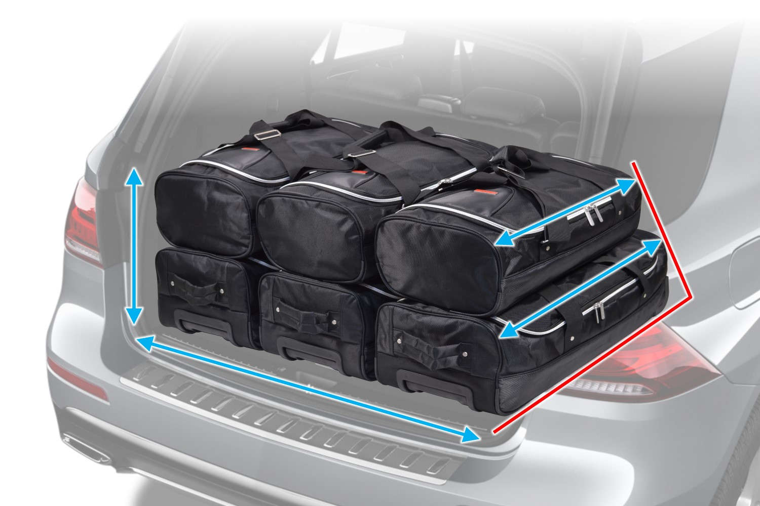 Een Car Bags.com reistassenset past precies in de kofferbak