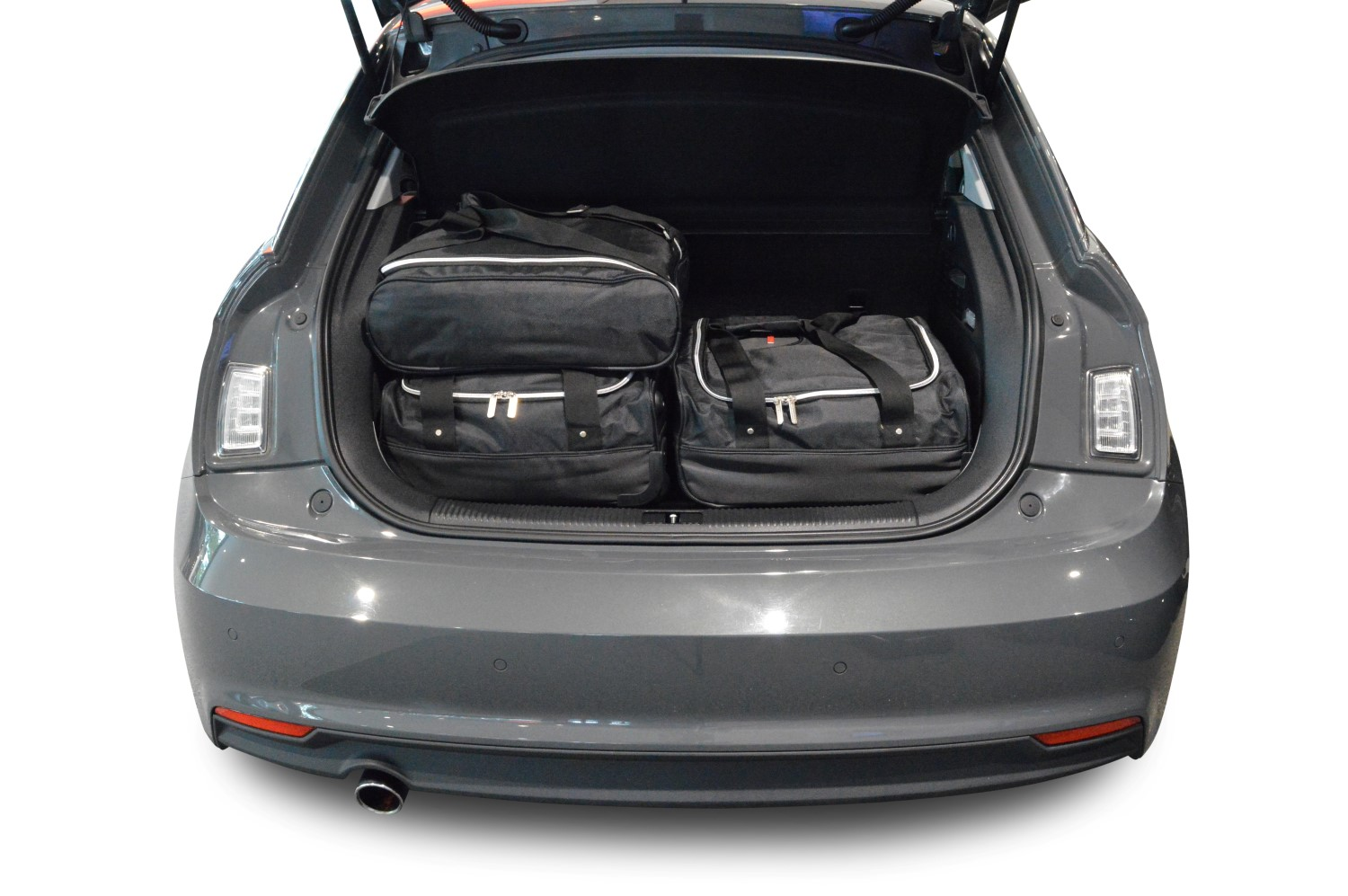 a1 audi a1 sportback 8x 2012 pr sent car bags set de sacs de voyage. Black Bedroom Furniture Sets. Home Design Ideas