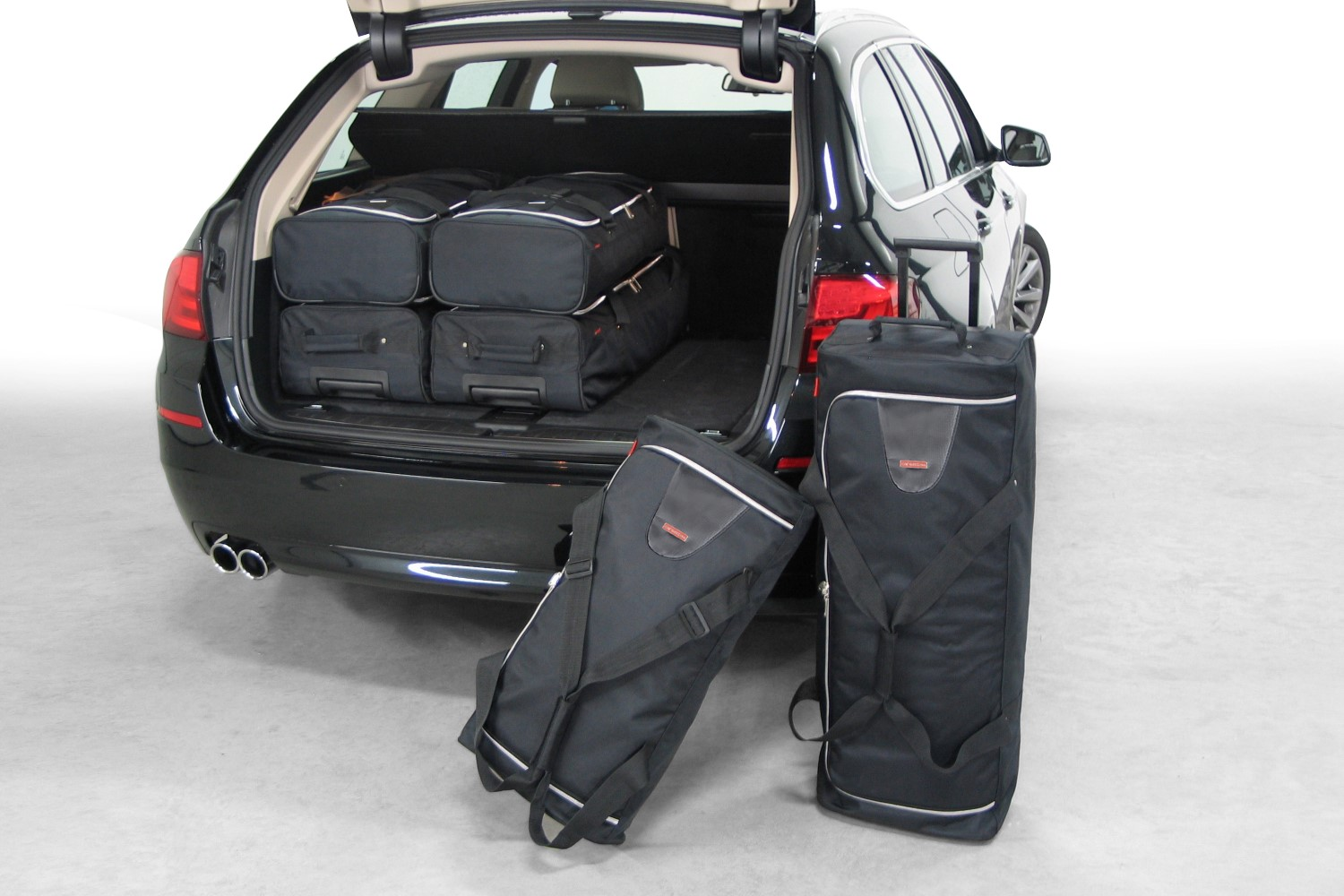 BMW 5 Series Touring F11 2011 Car Bags Reistassen