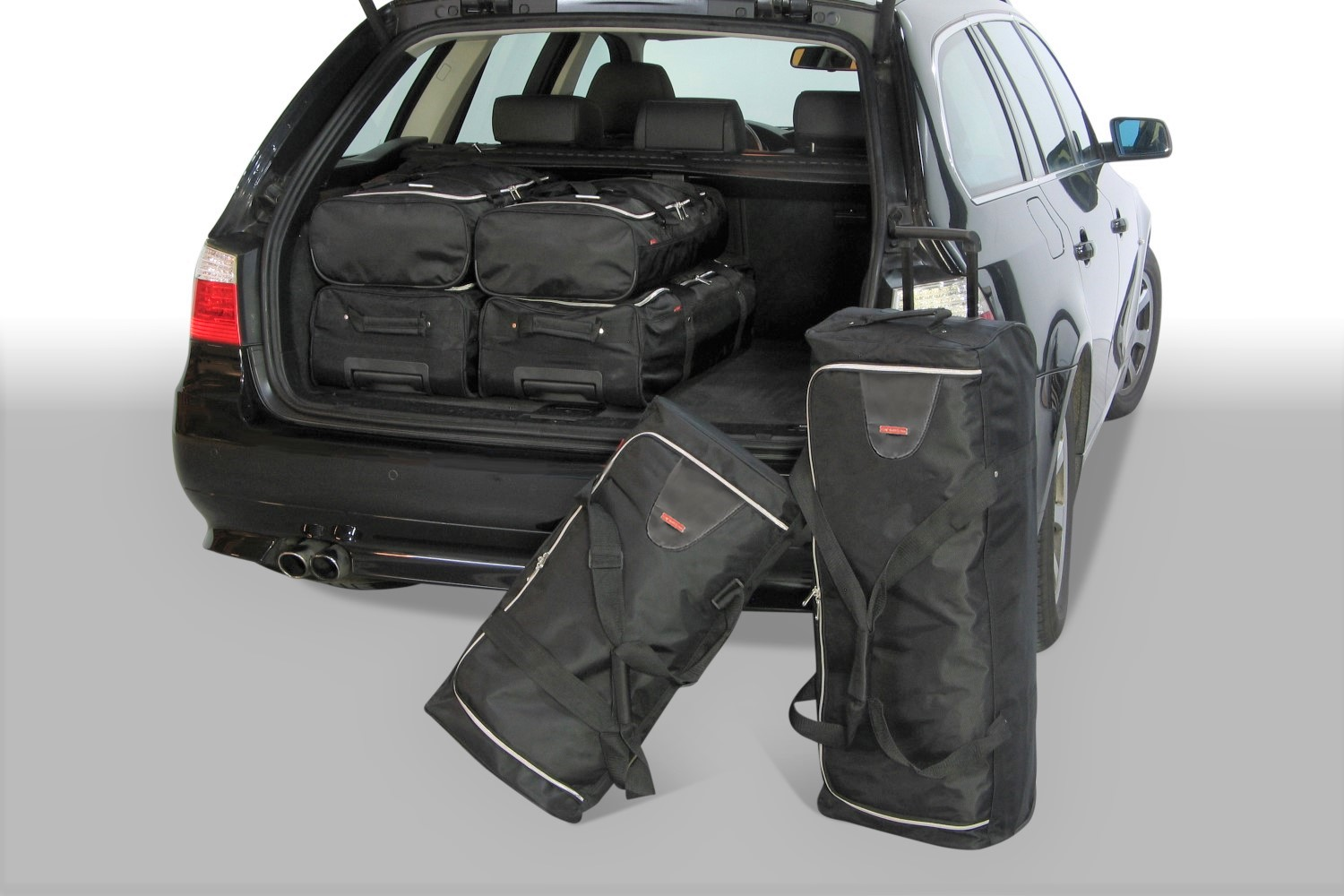 BMW 5 series Touring (E61) 2004-2011 Car-Bags.com travel bag set (1)