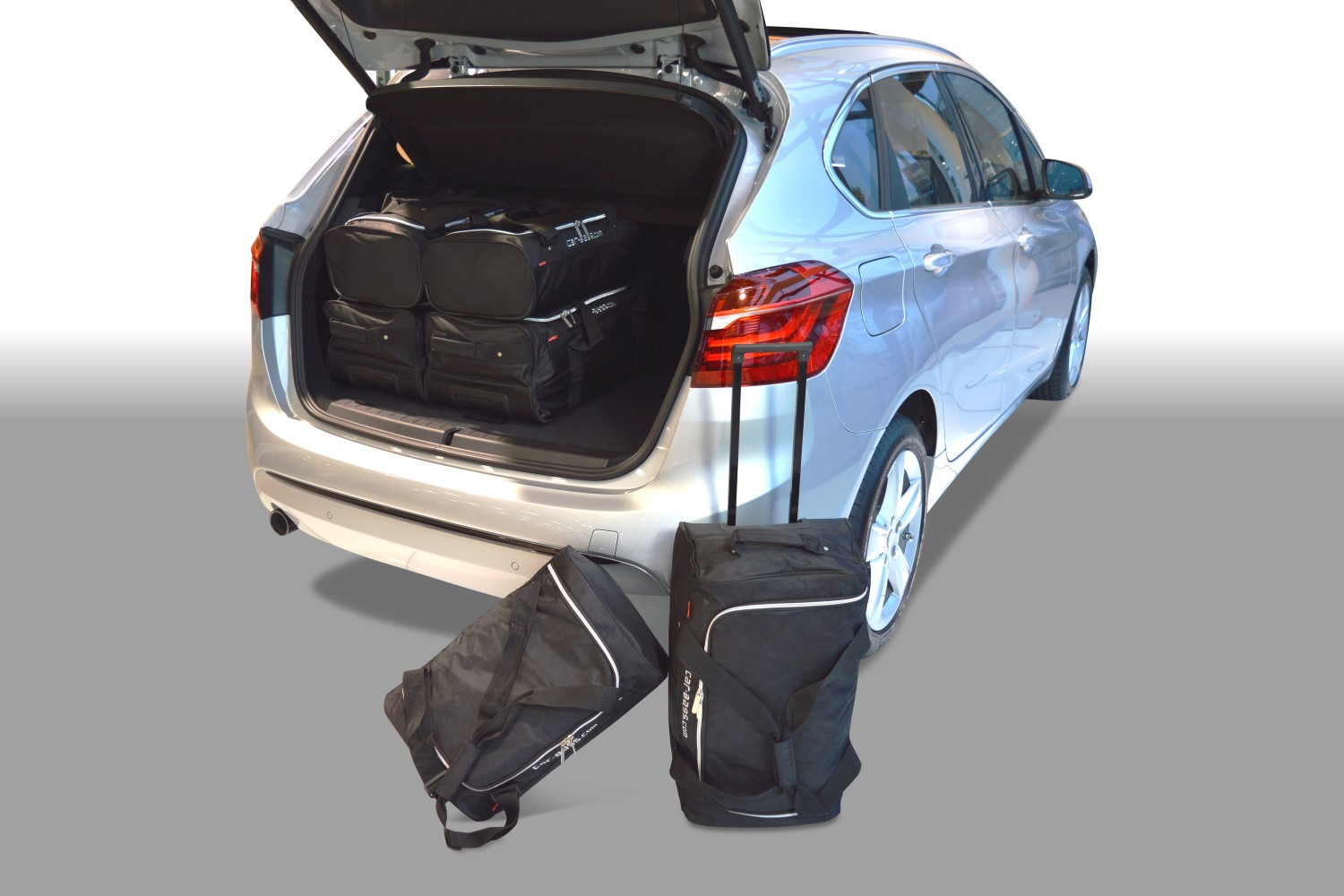 2 series bmw 2 series active tourer f45 2014 pr sent car bags set de sacs de voyage. Black Bedroom Furniture Sets. Home Design Ideas