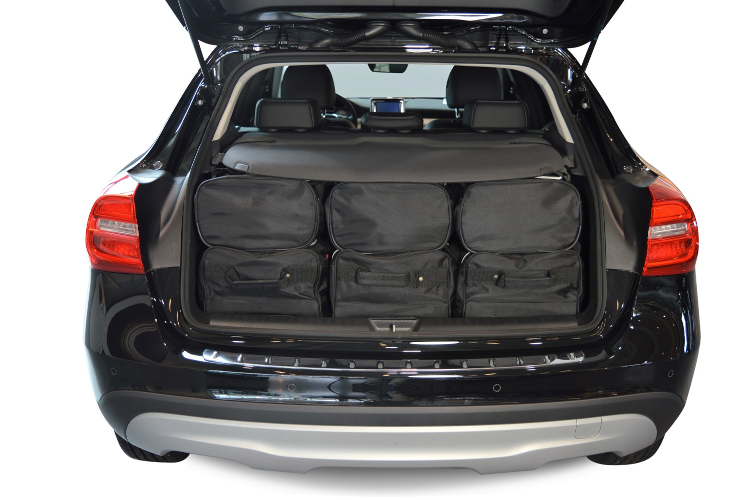 Gla mercedes benz gla x156 2014 present car bags travel for Mercedes benz backpack