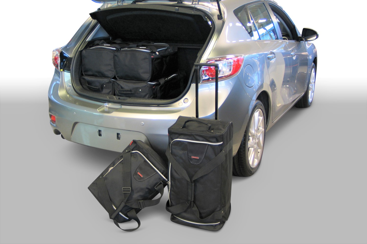 Mazda Mazda3 (BL) 2010-2013 5 door Car-Bags.com travel bag set (1)