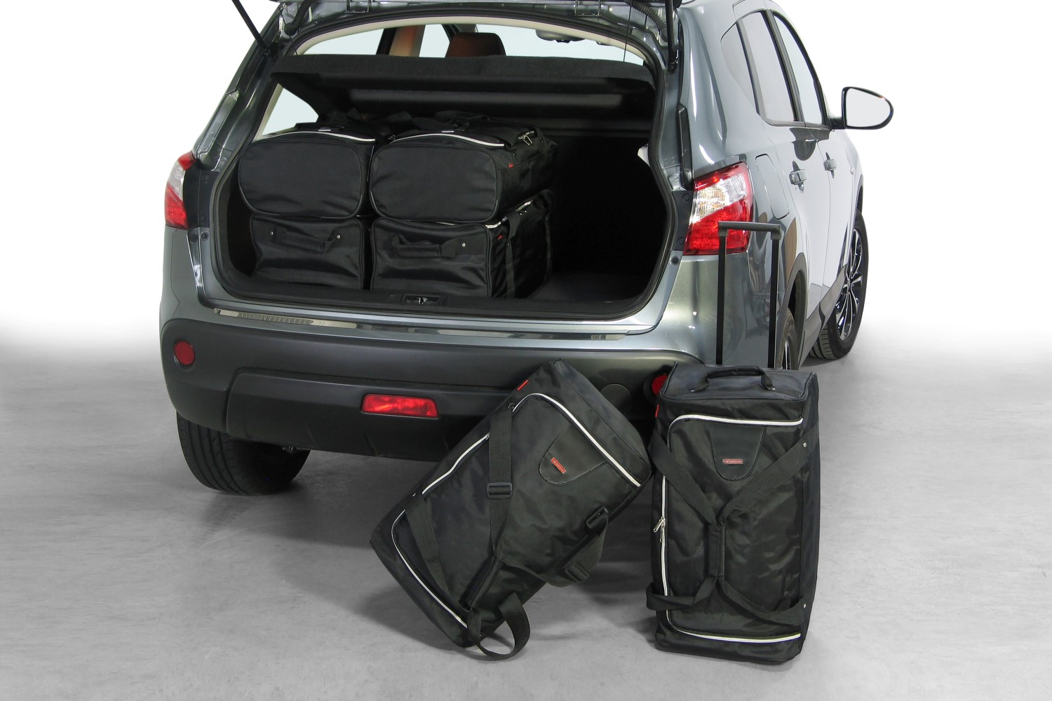 nissan qashqai j10 autotassen op maat car. Black Bedroom Furniture Sets. Home Design Ideas