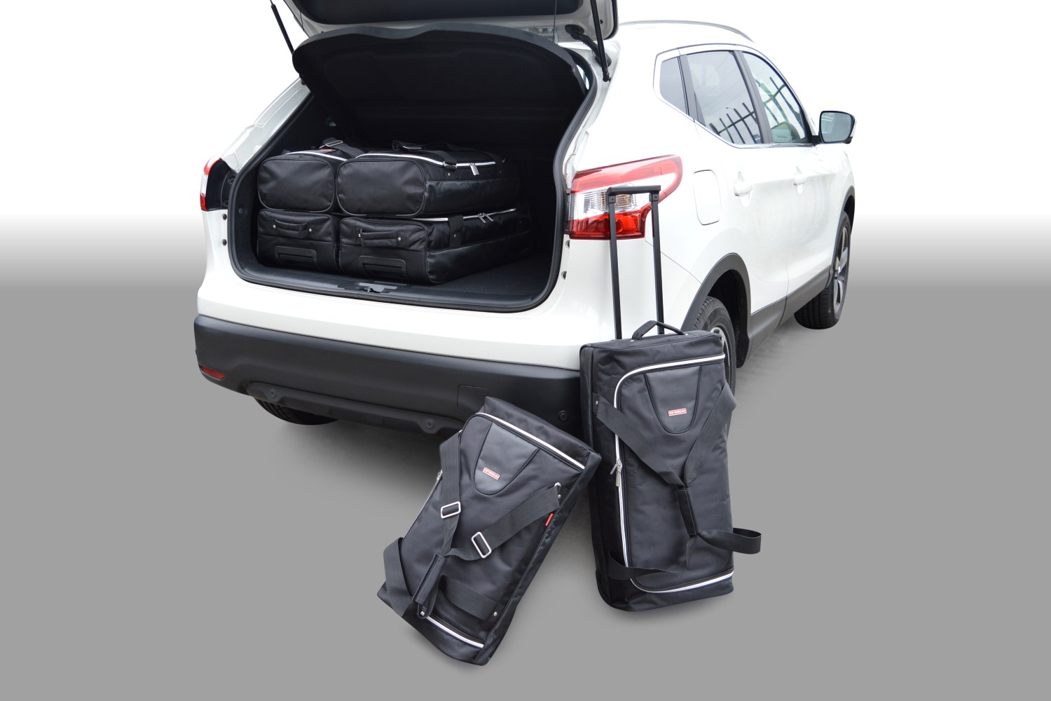 qashqai nissan qashqai j11 2014 heden car bags reistassenset. Black Bedroom Furniture Sets. Home Design Ideas