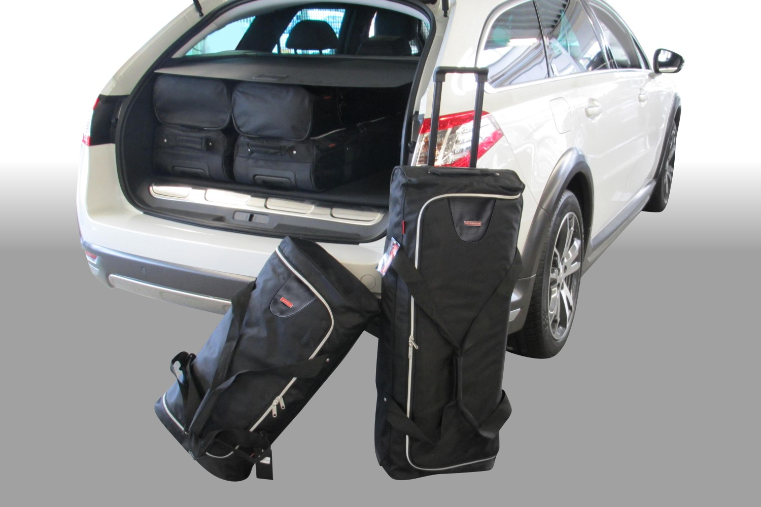 Peugeot 508 RXH HYbrid4 2012- wagon Car-Bags.com travel bag set (1)
