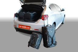 Alfa Romeo Giulietta 2010- 5 door Car-Bags.com travel bag set (1)