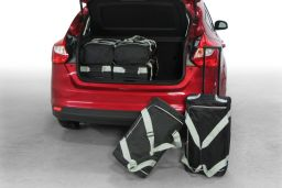 Ford Focus III 2011- 5 door Car-Bags.com travel bag set (1)