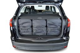 f10301s-ford-focus-wagon-11-car-bags-4.jpg