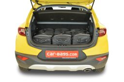 Kia Stonic (YB) (adjustable boot floor in highest position) 2017- Car-Bags.com travel bag set (2)