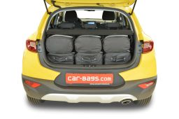 Kia Stonic (YB) (adjustable boot floor in highest position) 2017- Car-Bags.com travel bag set (4)