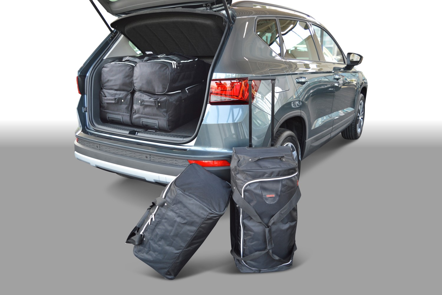 ateca seat ateca 2016 pr sent car bags set de sacs de voyage plancher du coffre haute avec. Black Bedroom Furniture Sets. Home Design Ideas
