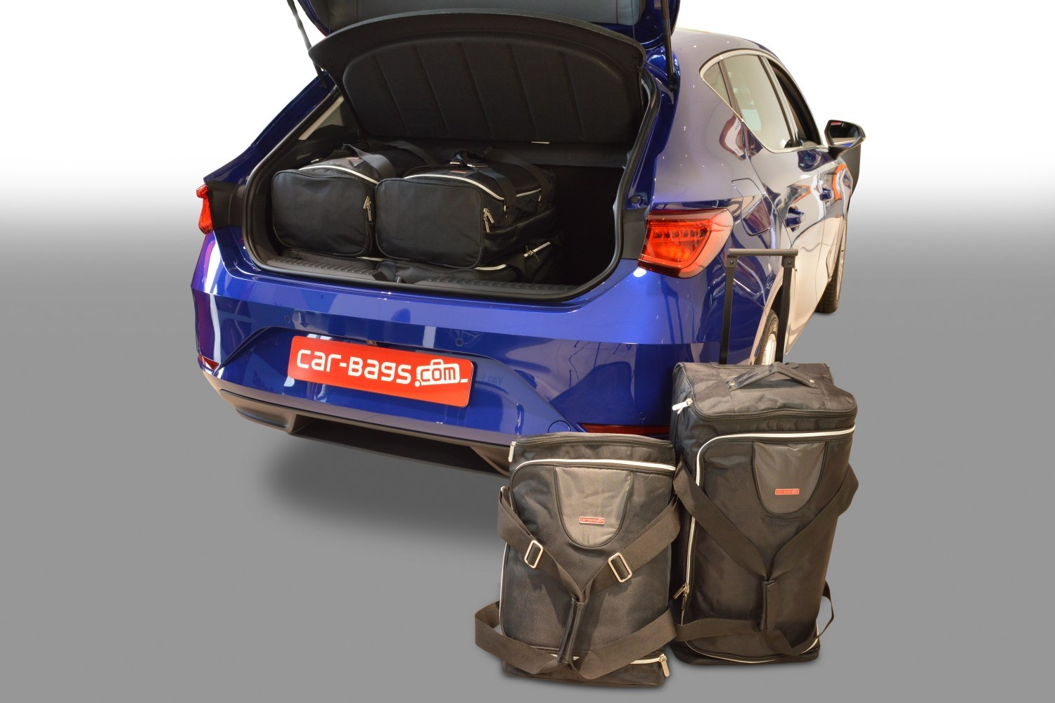 Seat Leon 2020- 5 door Car-Bags.com travel bag set (1)
