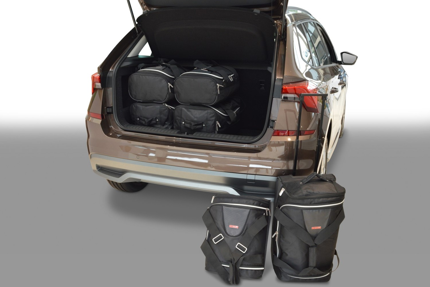 Skoda Kamiq 2019- Car-Bags.com travel bag set (1)