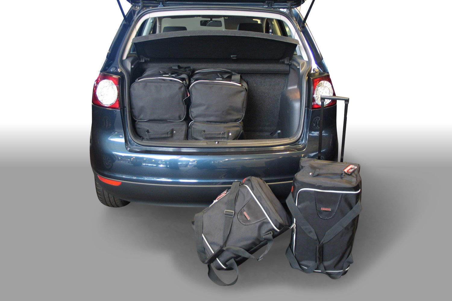 Volkswagen Golf Plus (1KP) 2004-2014 5 door Car-Bags.com travel bag set (1)