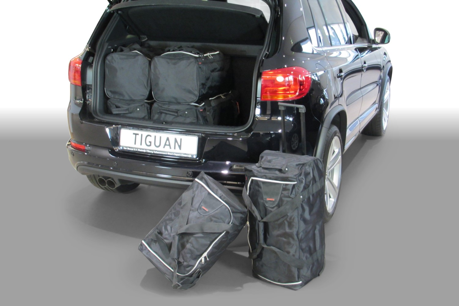 Volkswagen Tiguan (5N) low boot floor 2007-2015 Car-Bags.com travel bag set (1)