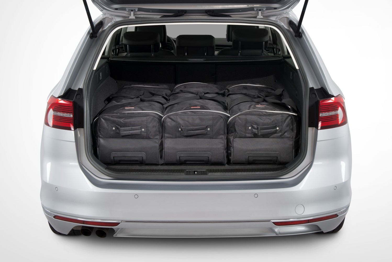 passat volkswagen passat b8 variant 2014 present car bags travel bags. Black Bedroom Furniture Sets. Home Design Ideas