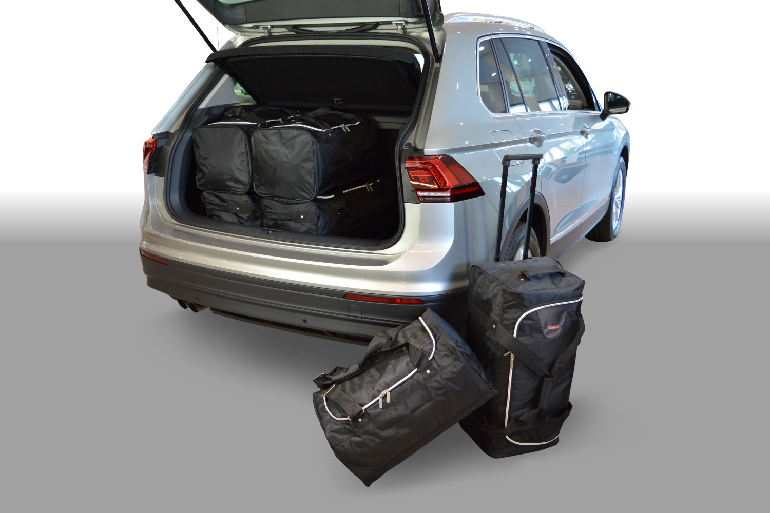 tiguan volkswagen tiguan ii 2015 present car bags travel bag set low boot floor. Black Bedroom Furniture Sets. Home Design Ideas