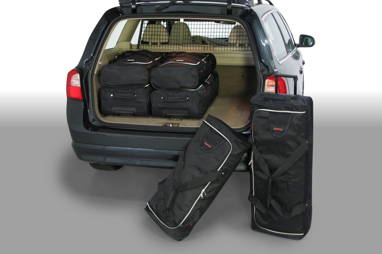 Volvo V70 (P24) 2007-2016 Car-Bags.com travel bag set (1)