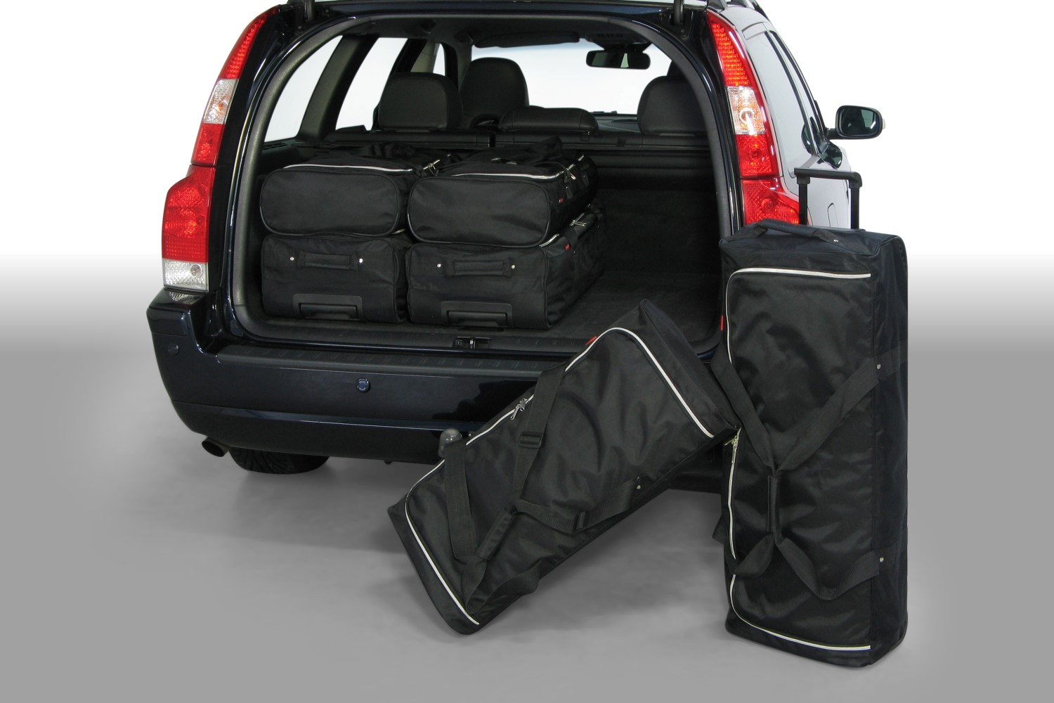 Volvo V70 (P26) 2001-2007 Car-Bags.com travel bag set (1)